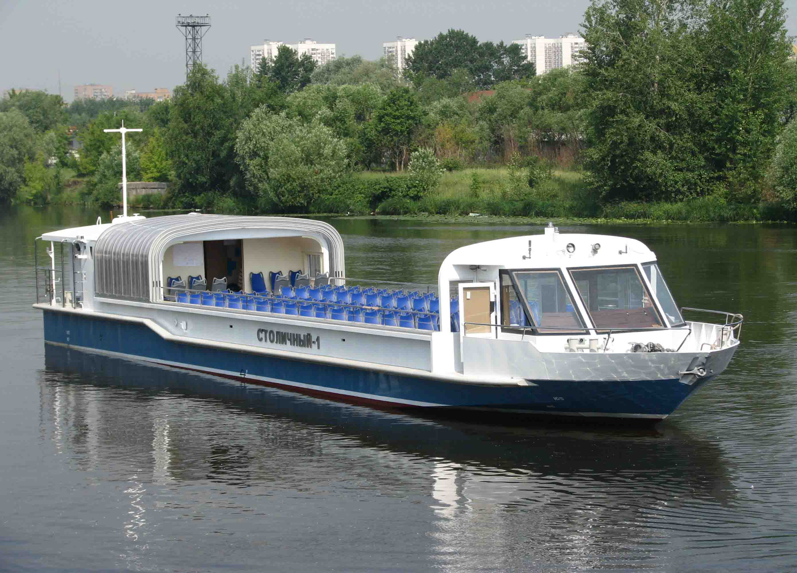 Пассажирское судно проекта 23020А с раздвижной крышей салона