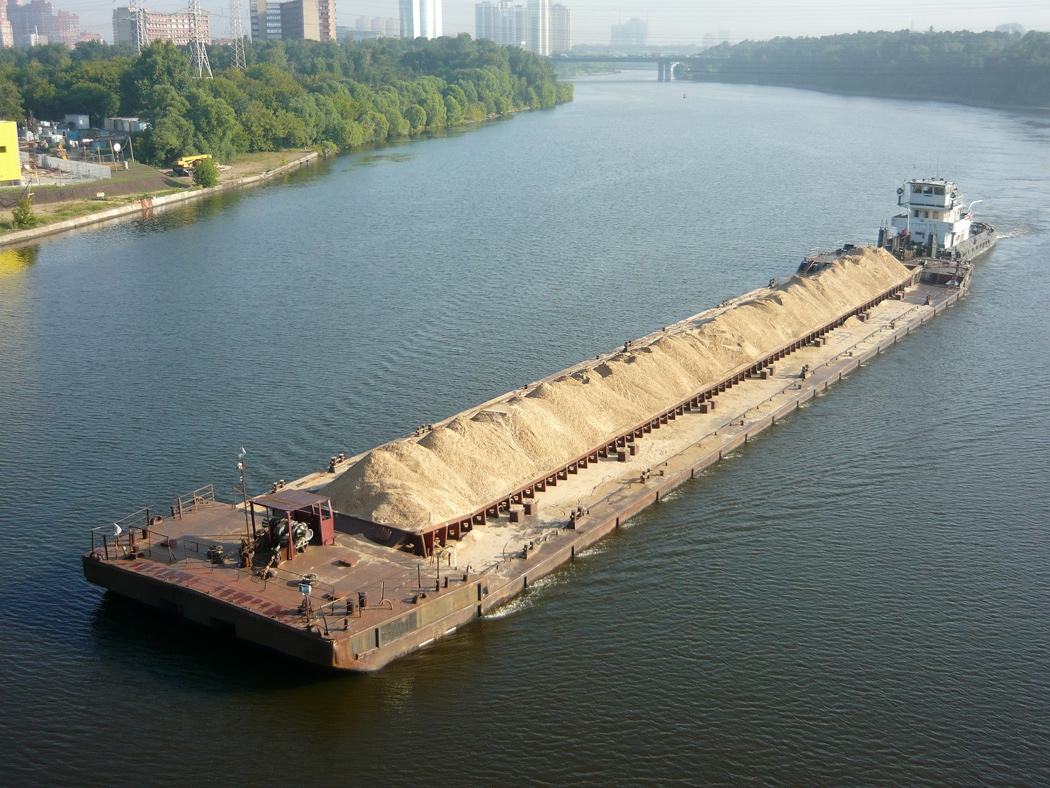 Баржа грузоподъемностью 2000 тонн