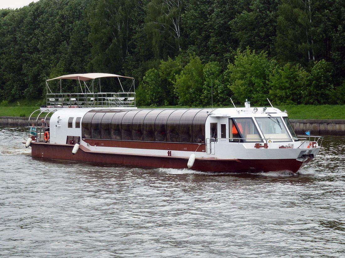 Пассажирское судно проекта 23020А ресторан